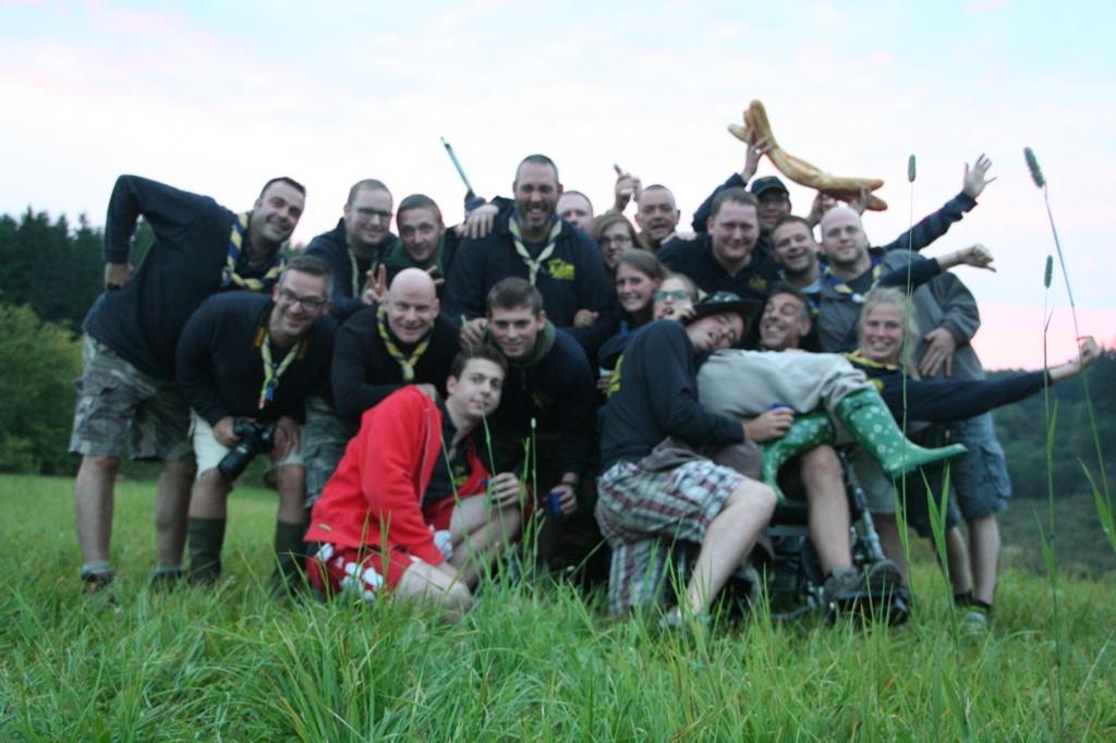Photo de groupe un peu floue... De gauche à droite: Lynx, Chat, Ocelot, Bassaris, Ecureuil, en rouge Shiba, Callimico, Mouette, Mouche, Oryctérope, Isatis